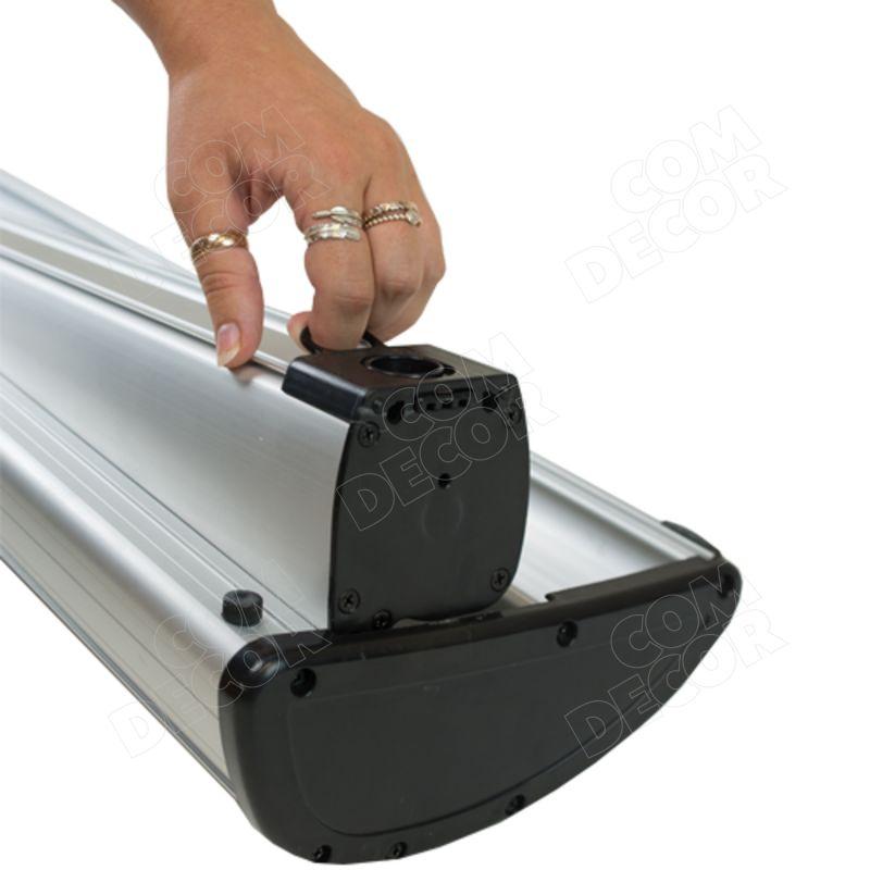 Roll up banderollin vaihtaminen