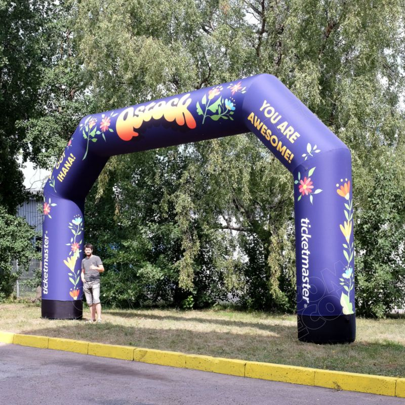 Inflatable advertising - racers finish gate