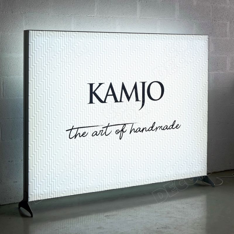 Lightbox, illuminated advertising with interchangeable fabric