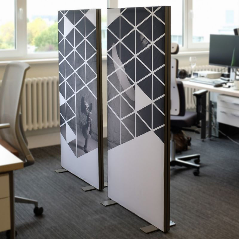 Partition / room divider / standing screen
